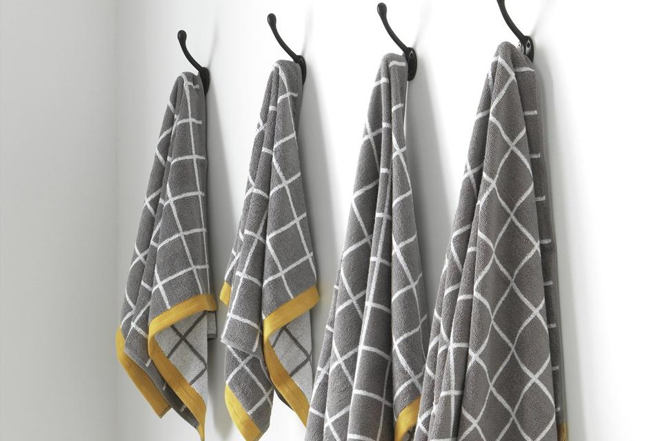 Grid 4 Piece Towel Bale - Grey.