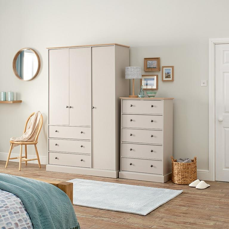Kensington wardrobe and chest of drawers.