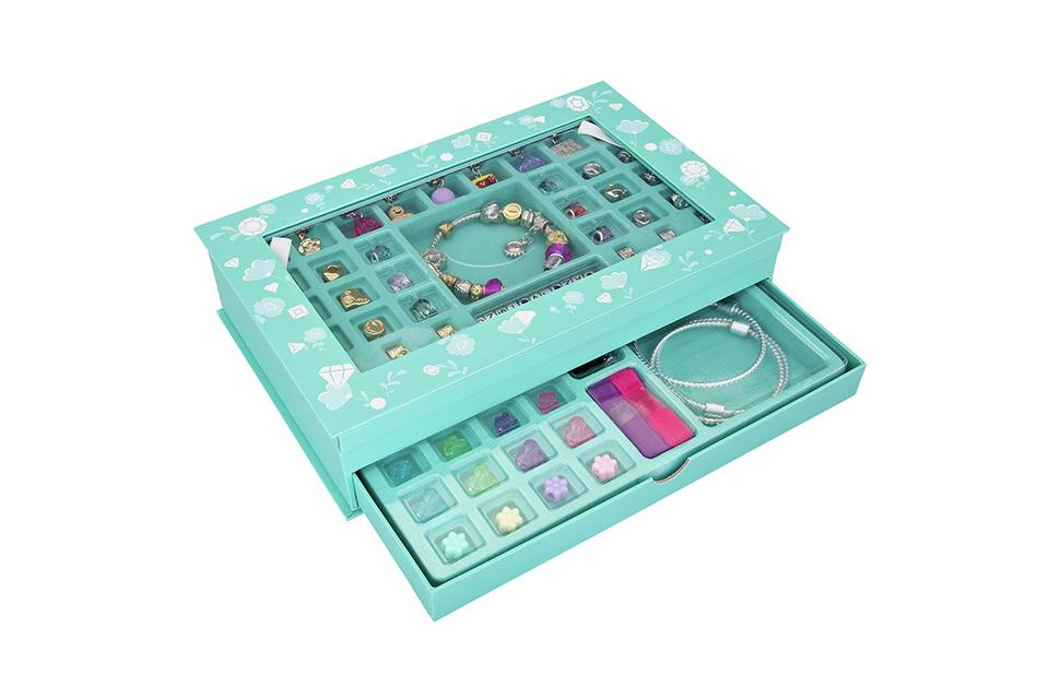 Chad Valley Be U Deluxe Jewellery Box Set.