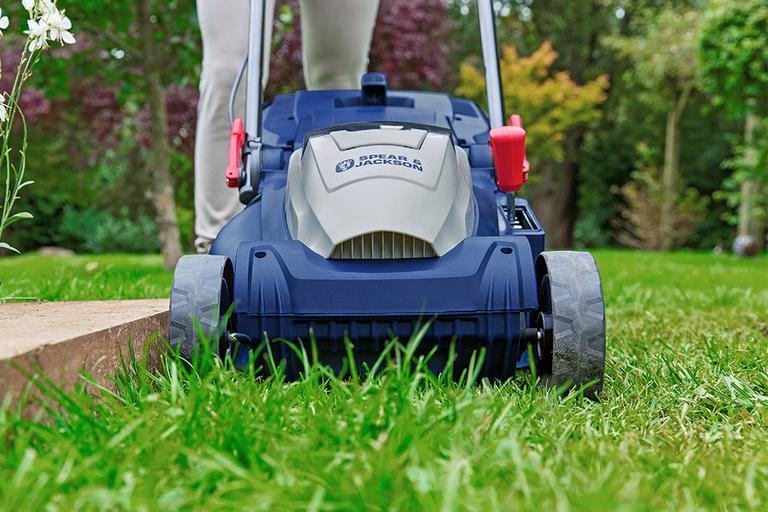 How to choose the best lawnmower for your lawn.