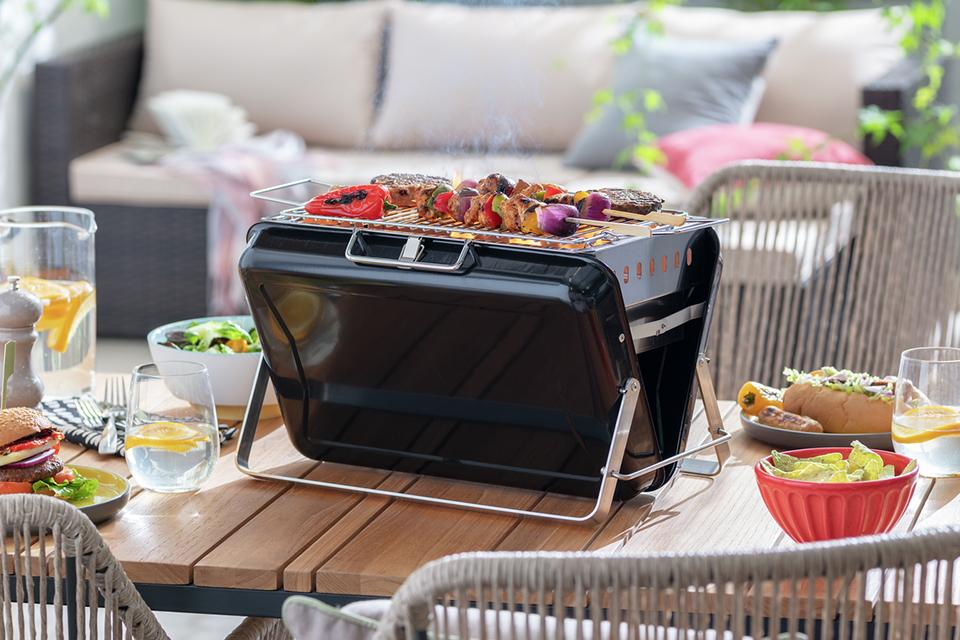 Argos Home Briefcase BBQ Cooking Grill Pack.