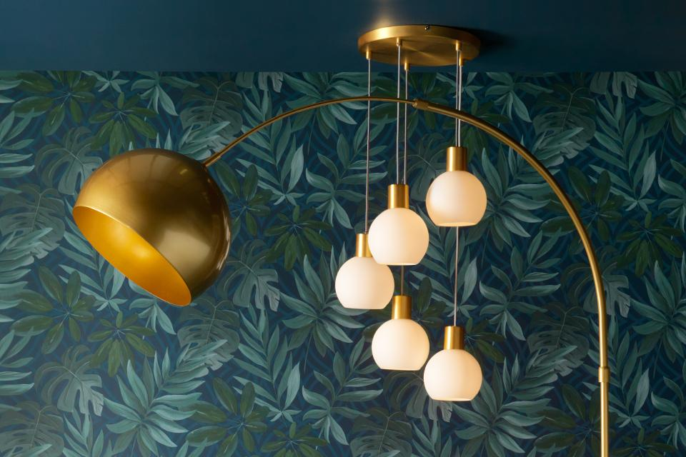 A ceiling lamp and floor lamp.