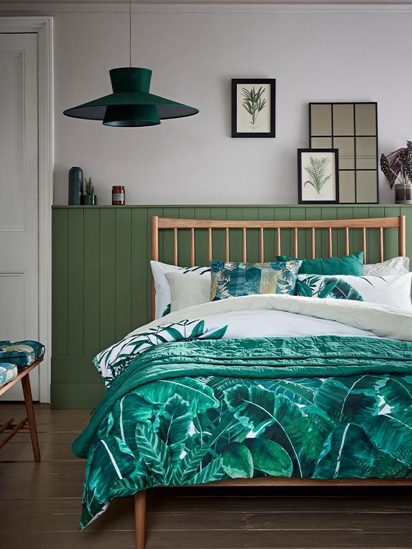 Habitat Jungle Leaf Reversible Green Bedding Set.