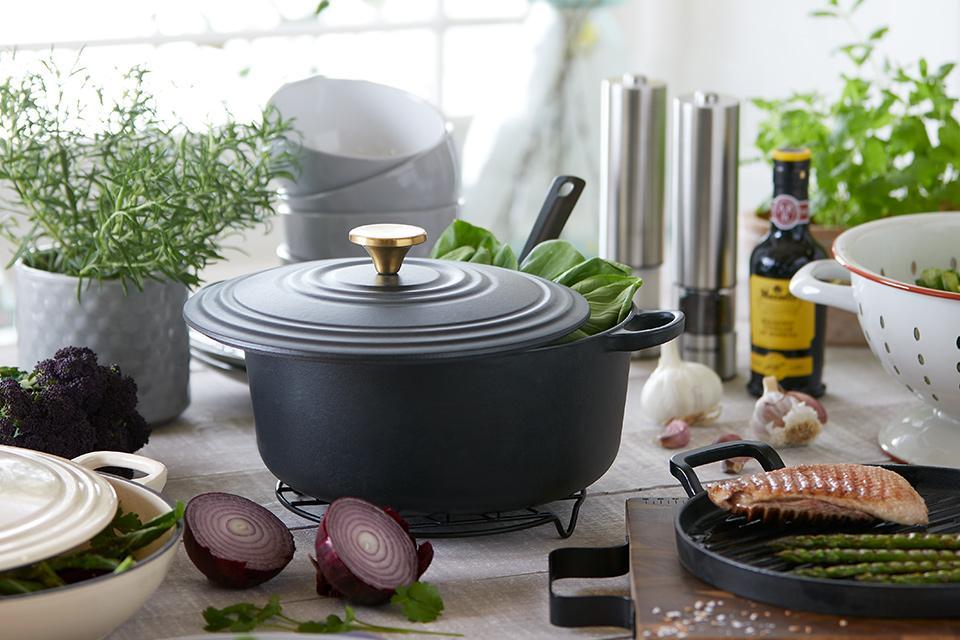 Black casserole dish.