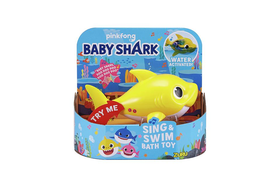 Robo Alive Junior Baby Shark Sing and Swim Bath Toy.