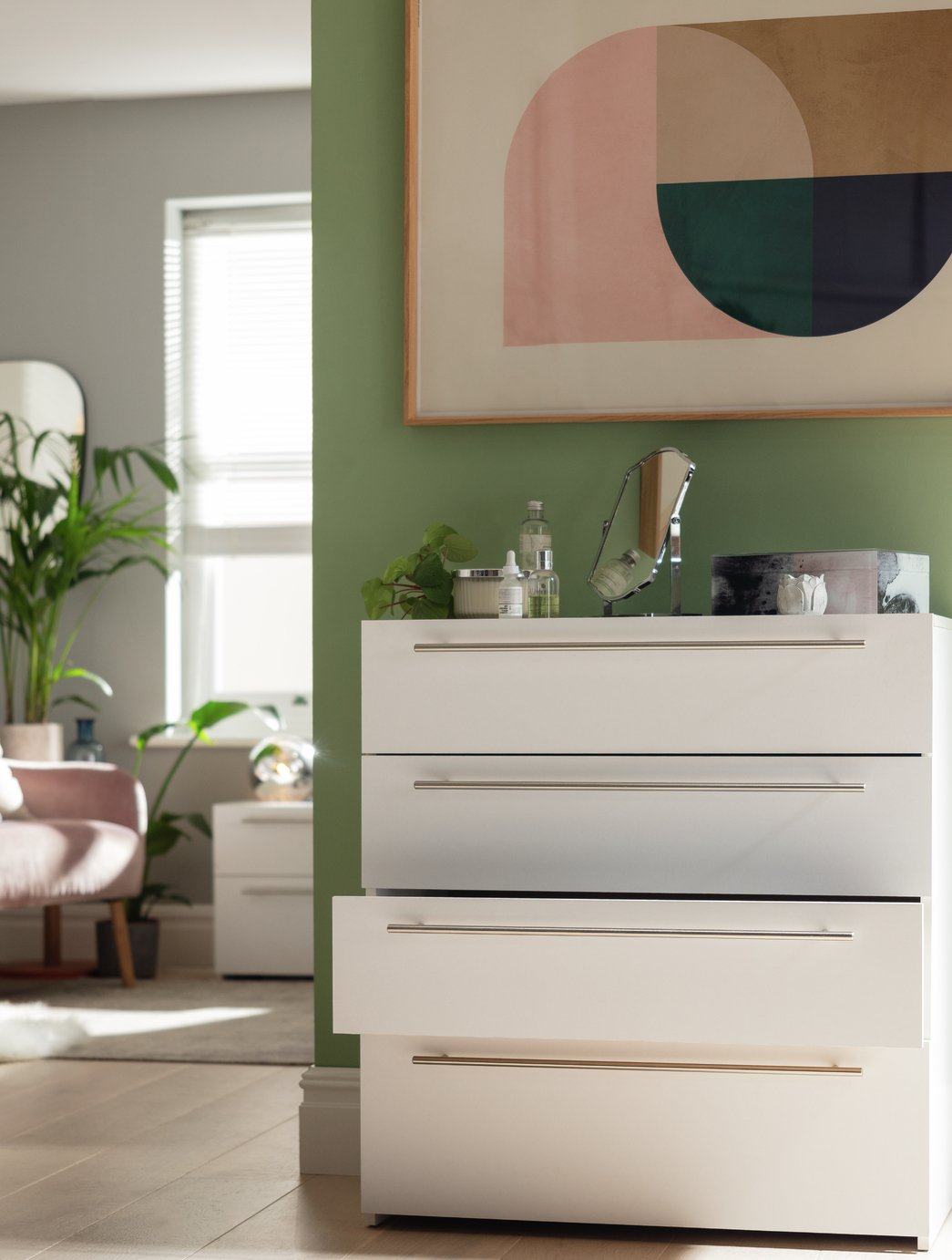 bedroom chest of drawers white