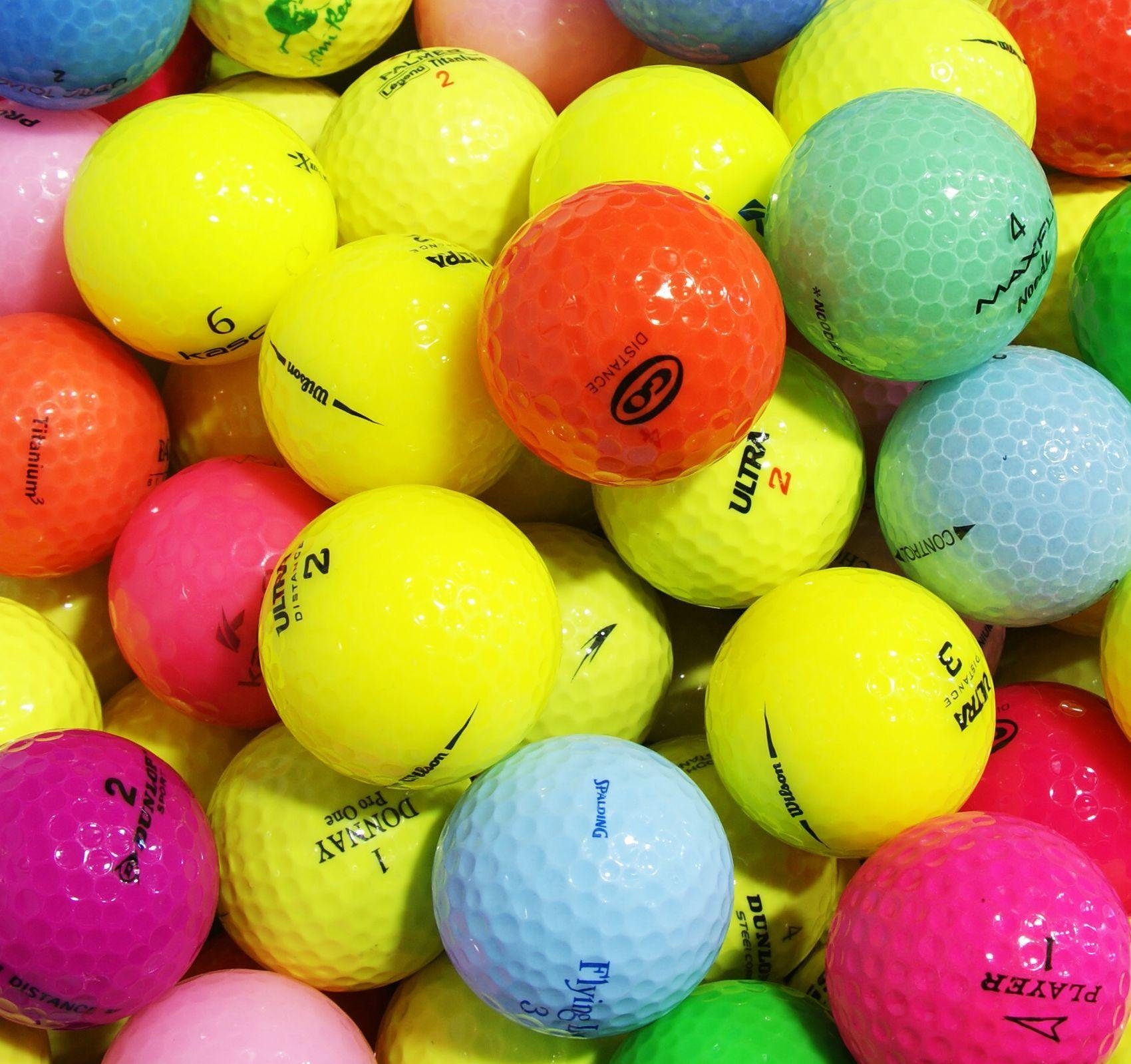 Image of 100 Assorted Coloured - Golf Lake Balls in a Box