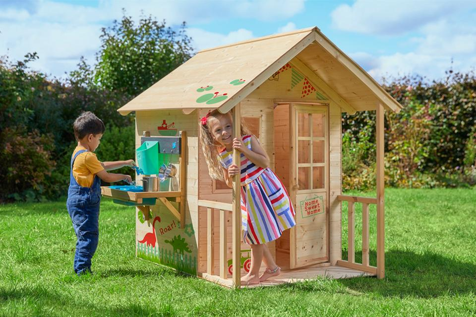 TP Toys Deluxe Meadow Cottage.