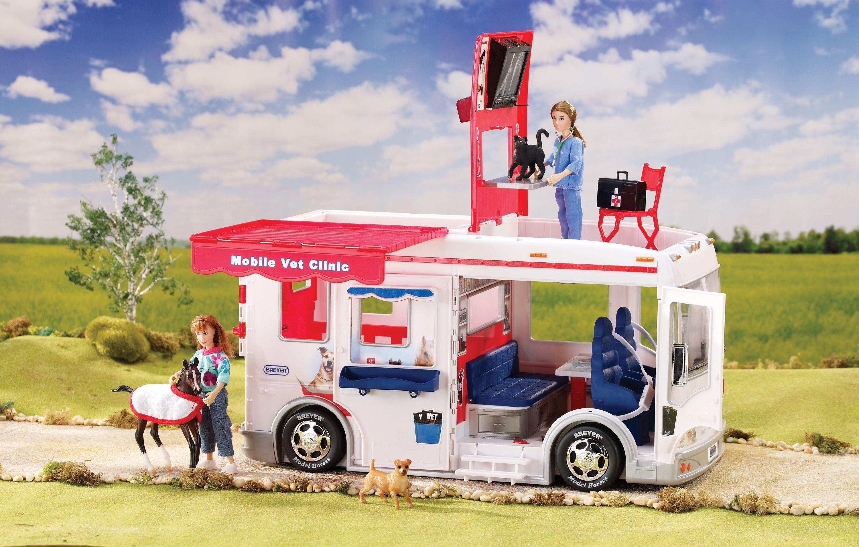 Image of Breyer - Mobile Vet Clinic Gift Set