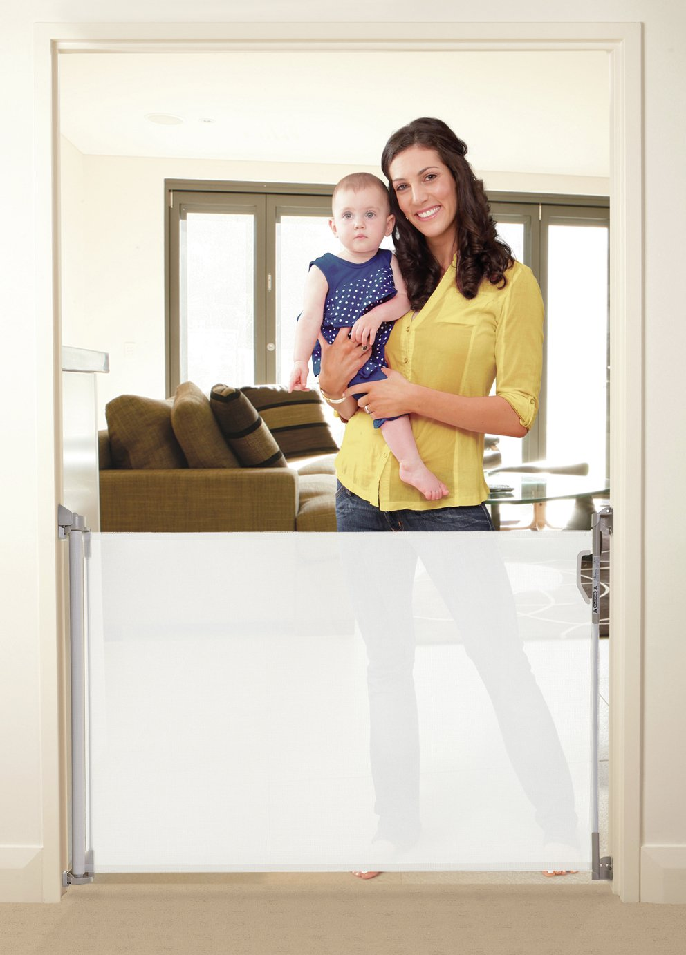 Dreambaby Retractable Gate - White