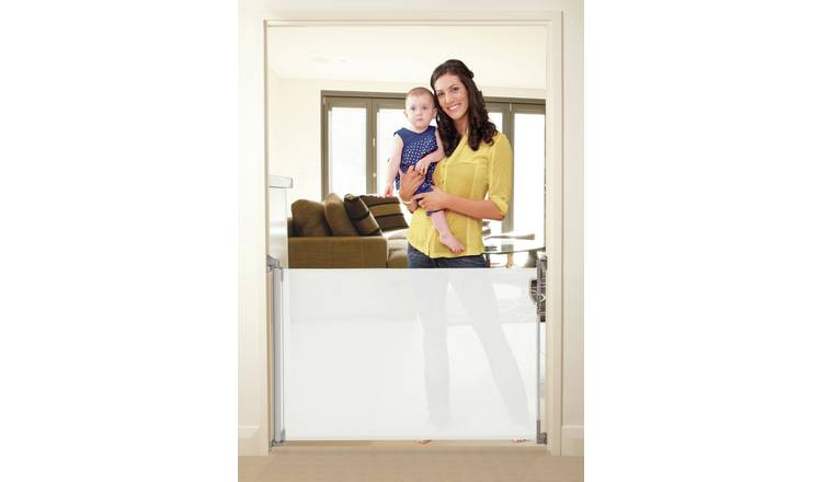 Dreambaby Retractable Gate Fits Gaps Up To 140Cms - White