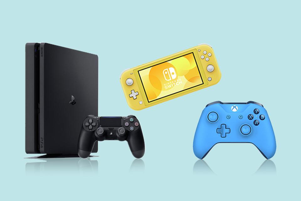 A PS4, Nintendo Switch Lite and Xbox controller on a blue background.