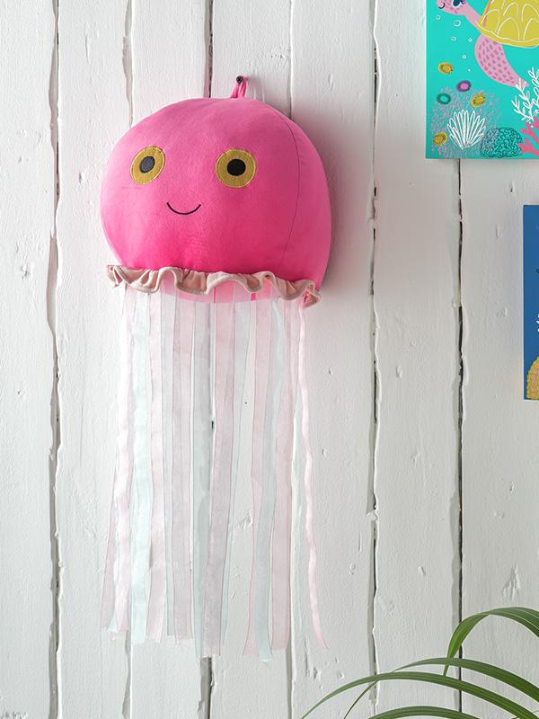 Arthouse Ocean Jellyfish Wall Head.