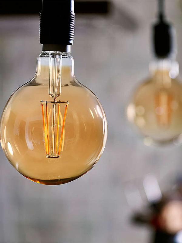Philips LED Filament E27 8W (50W) Dim Giant Bulb - Gold.