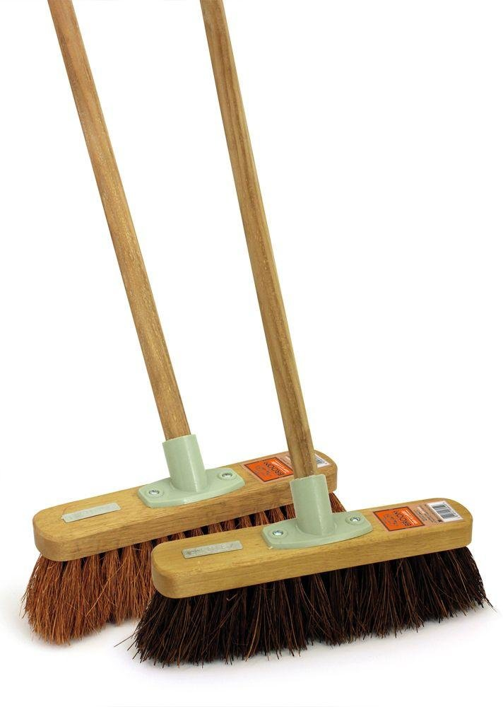 Image of Heritage Set of 2 Stiff and Soft Broom Set