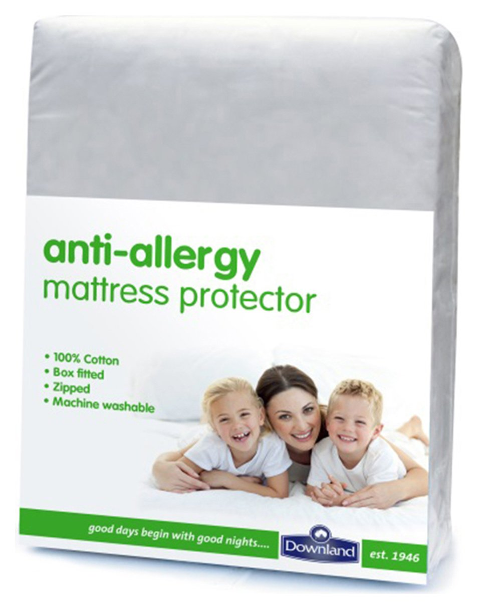 Downland Anti-Allergy Zipped Mattress Protector - Single.