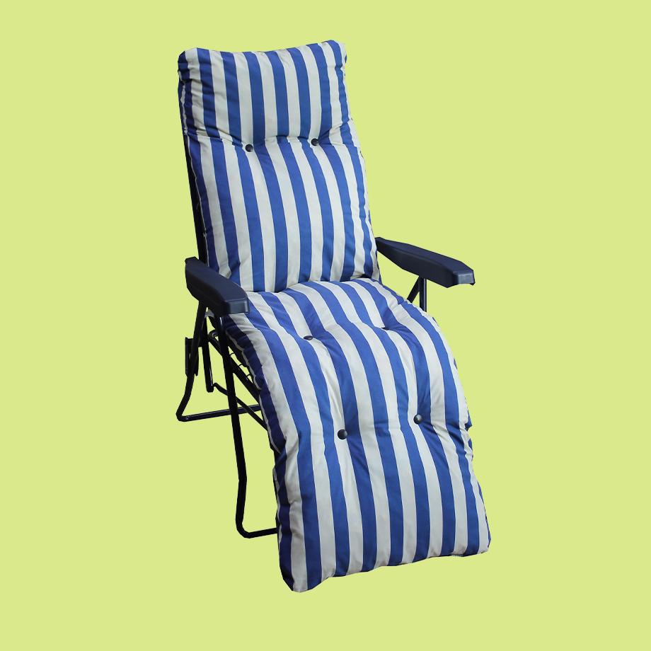 Argos Home metal sun lounger chair with cushion in blue.