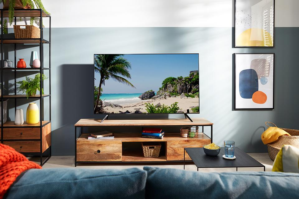 TU7020 Smart 4K UHD TV with HDR