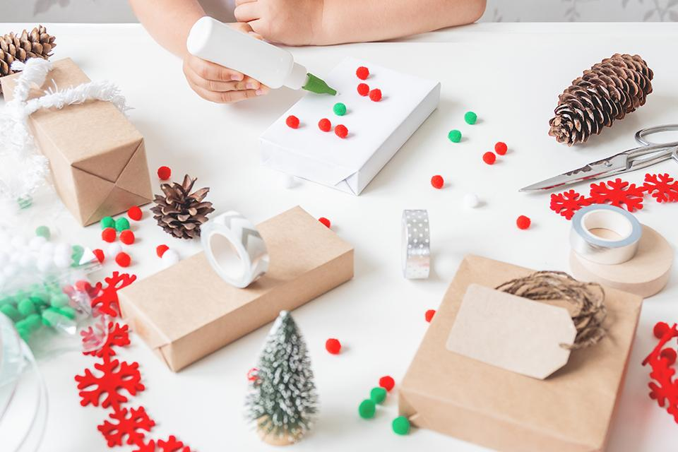 Create Christmas wrapping paper.
