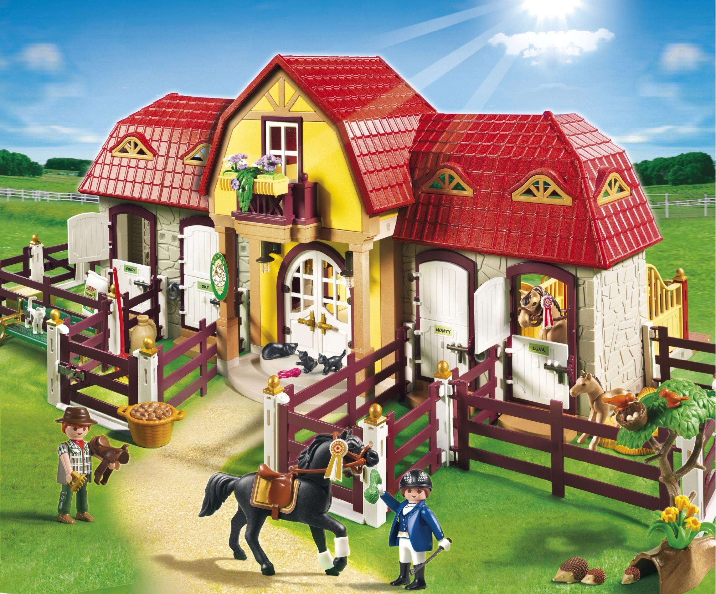 playmobil  5221 large horse farm with paddock
