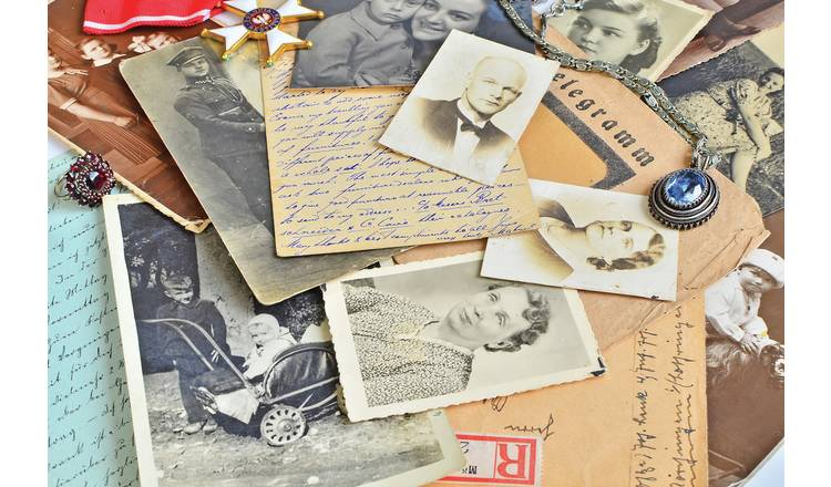 Discover Your Family History For One Gift Experience