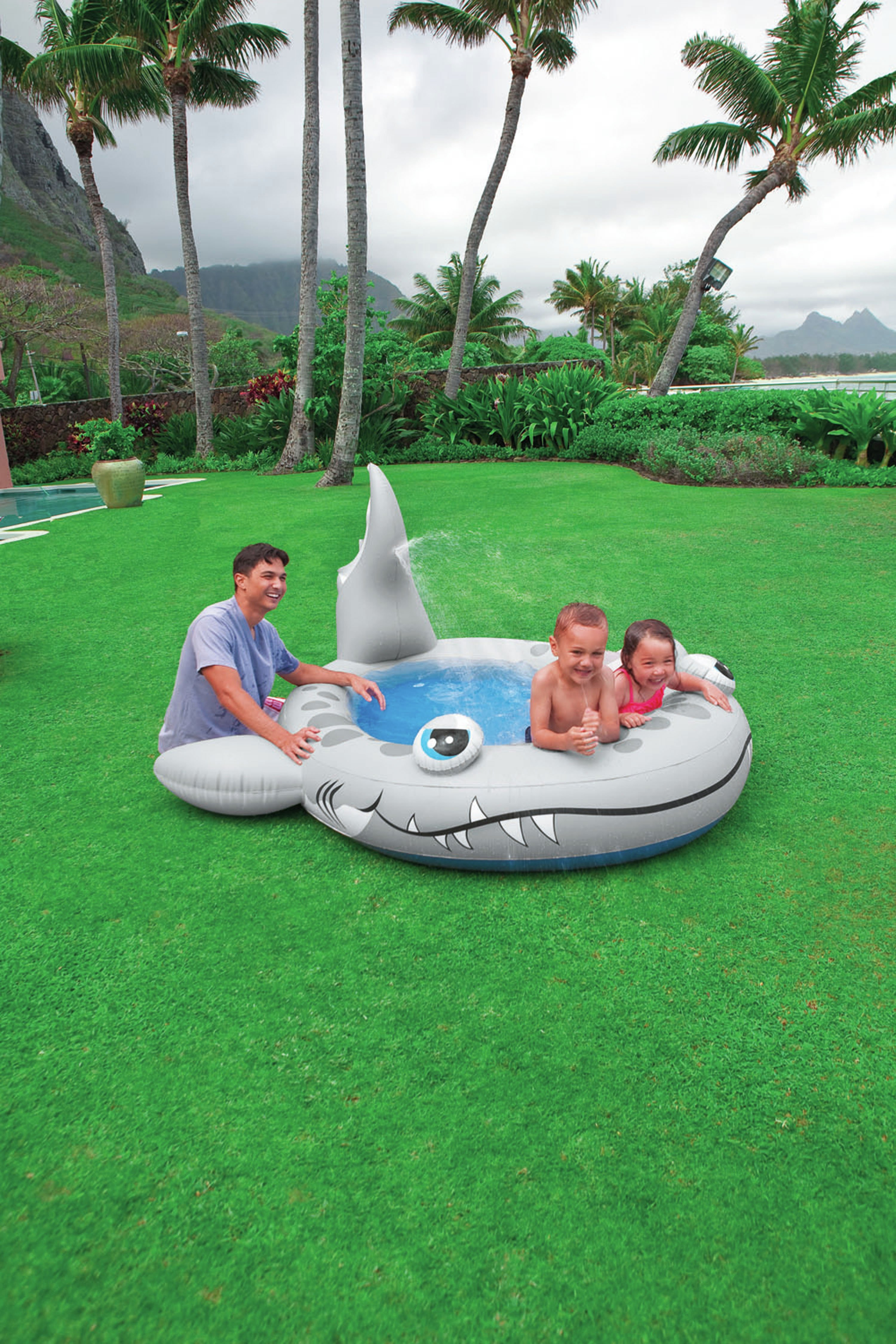 Intex - Sandy Shark Spray Inflatable Paddling Pool