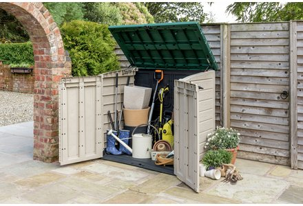Save up to 1/3 on selected garden accessories