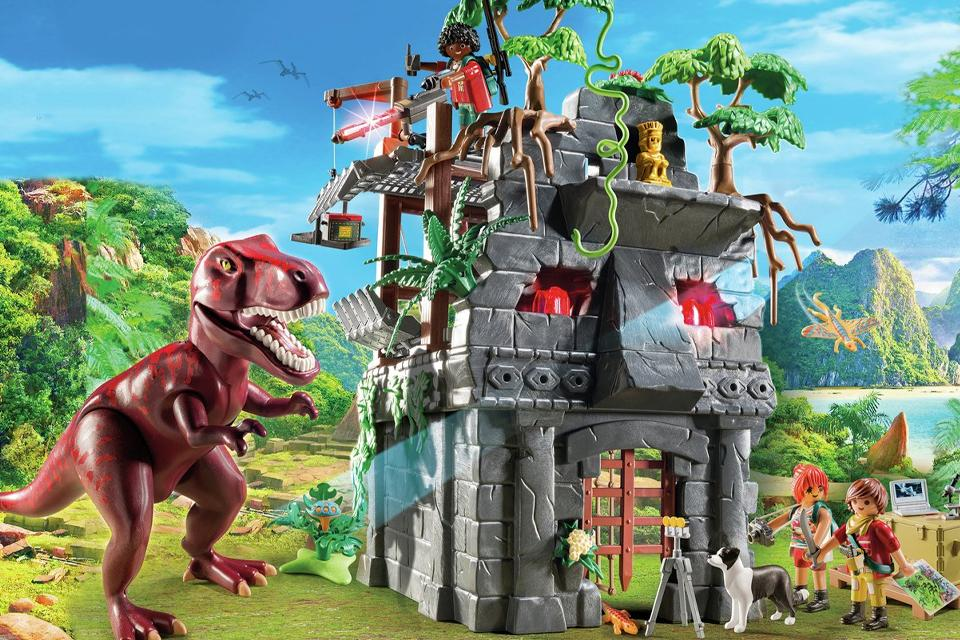 Prehistoric jungle image of Playmobil Dinos Hidden Temple with T-Rex..