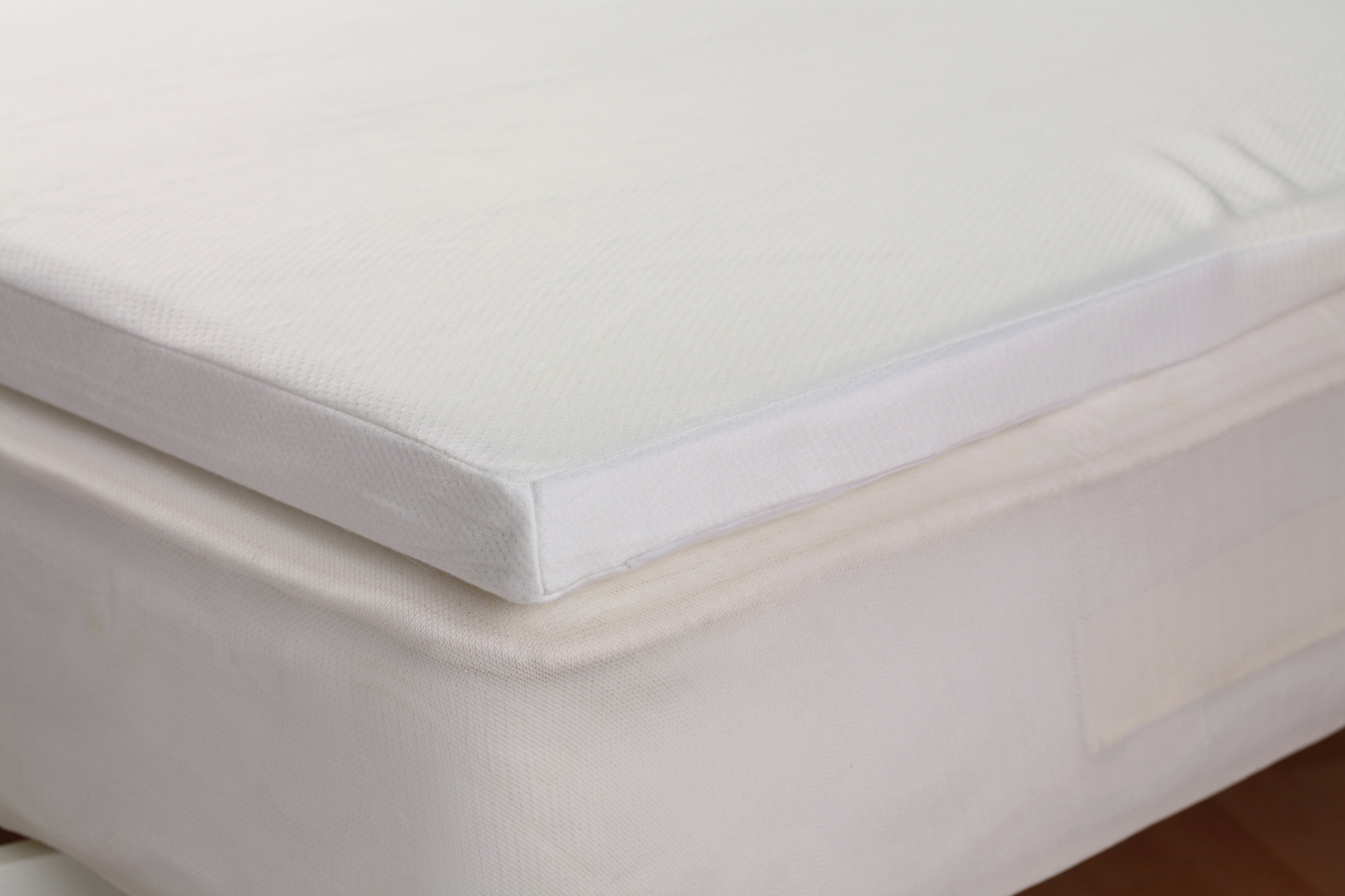 downland 2 memory foam topper single mattress the. Black Bedroom Furniture Sets. Home Design Ideas