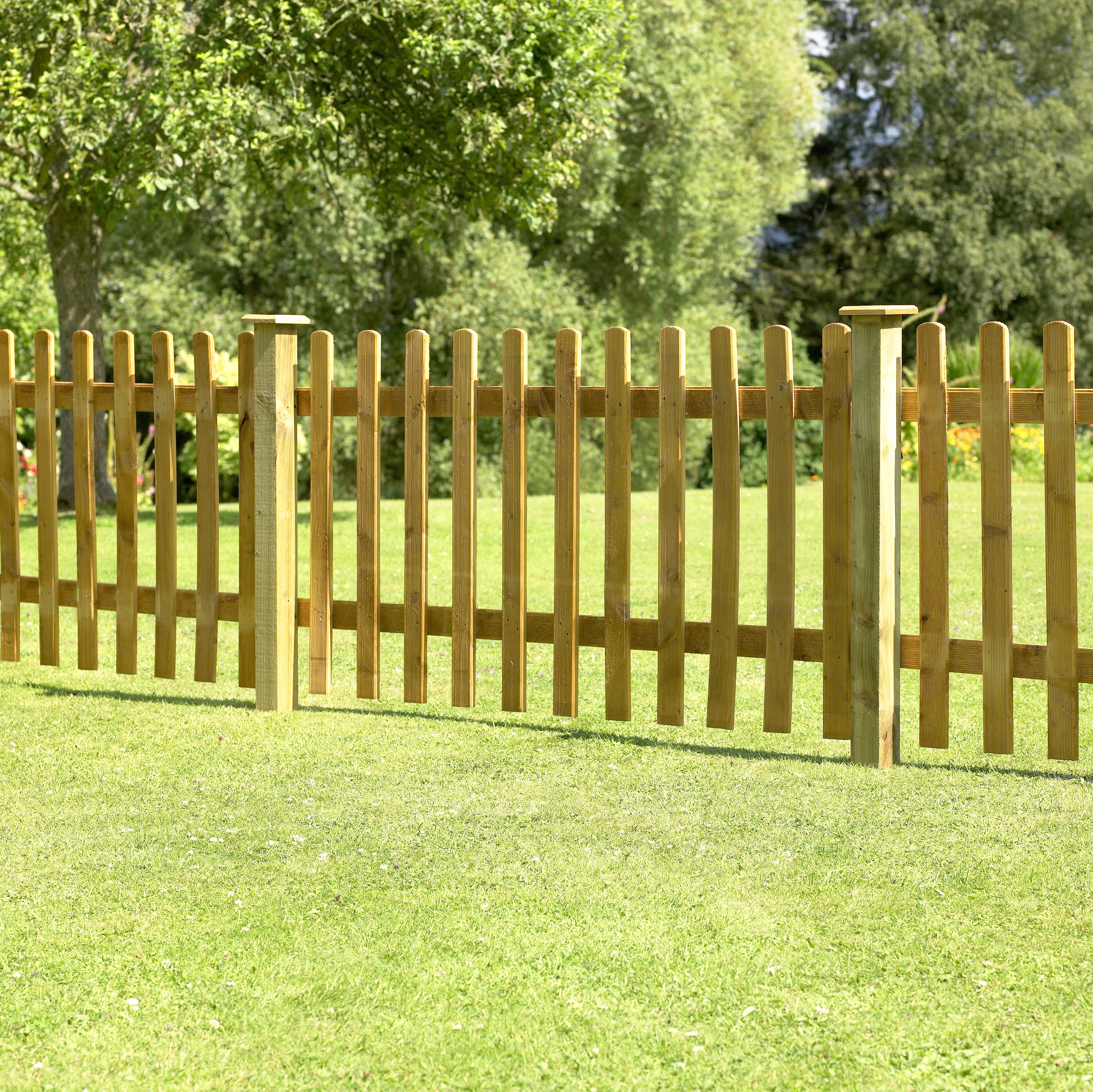 Image of Forest 0.9m Larchlap Pale Fence Panel - Pack of 7.