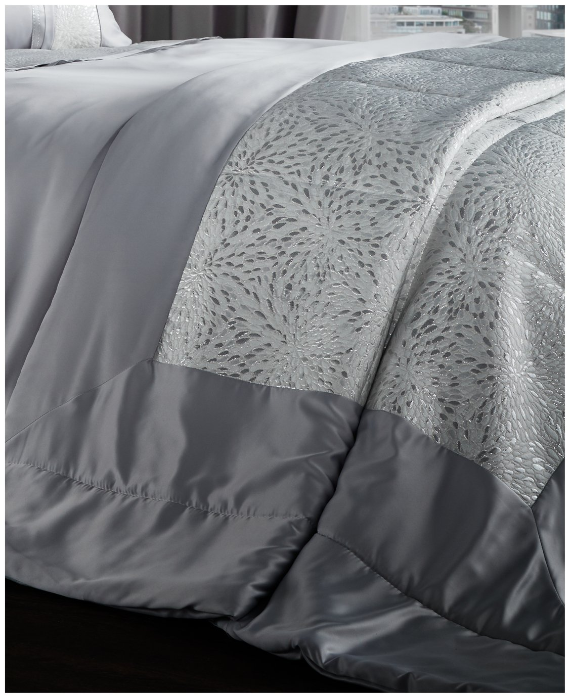 catherine lansfield luxor jacquard bedspread  silver.