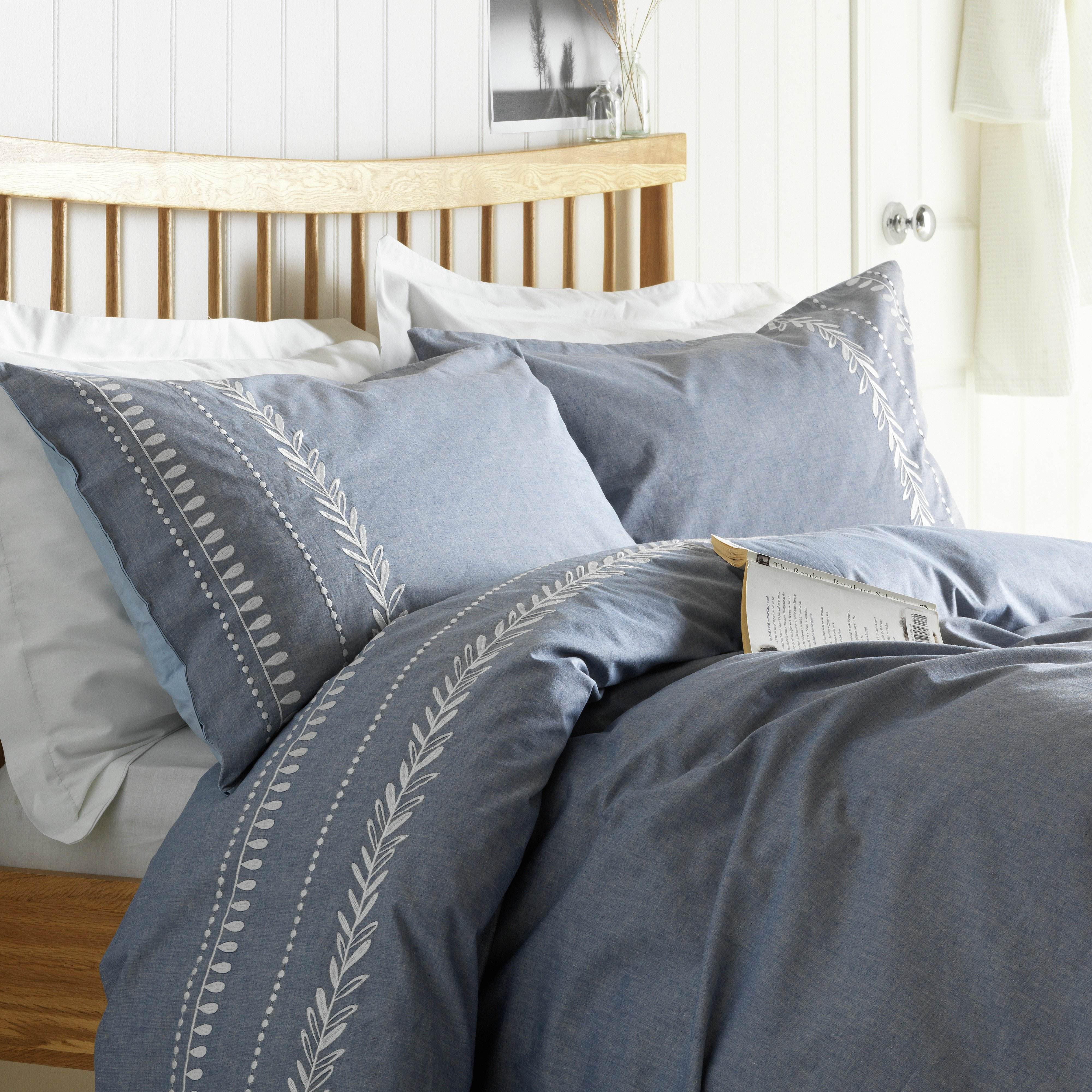 heart of house aldeburgh chambray bedding set double. Black Bedroom Furniture Sets. Home Design Ideas
