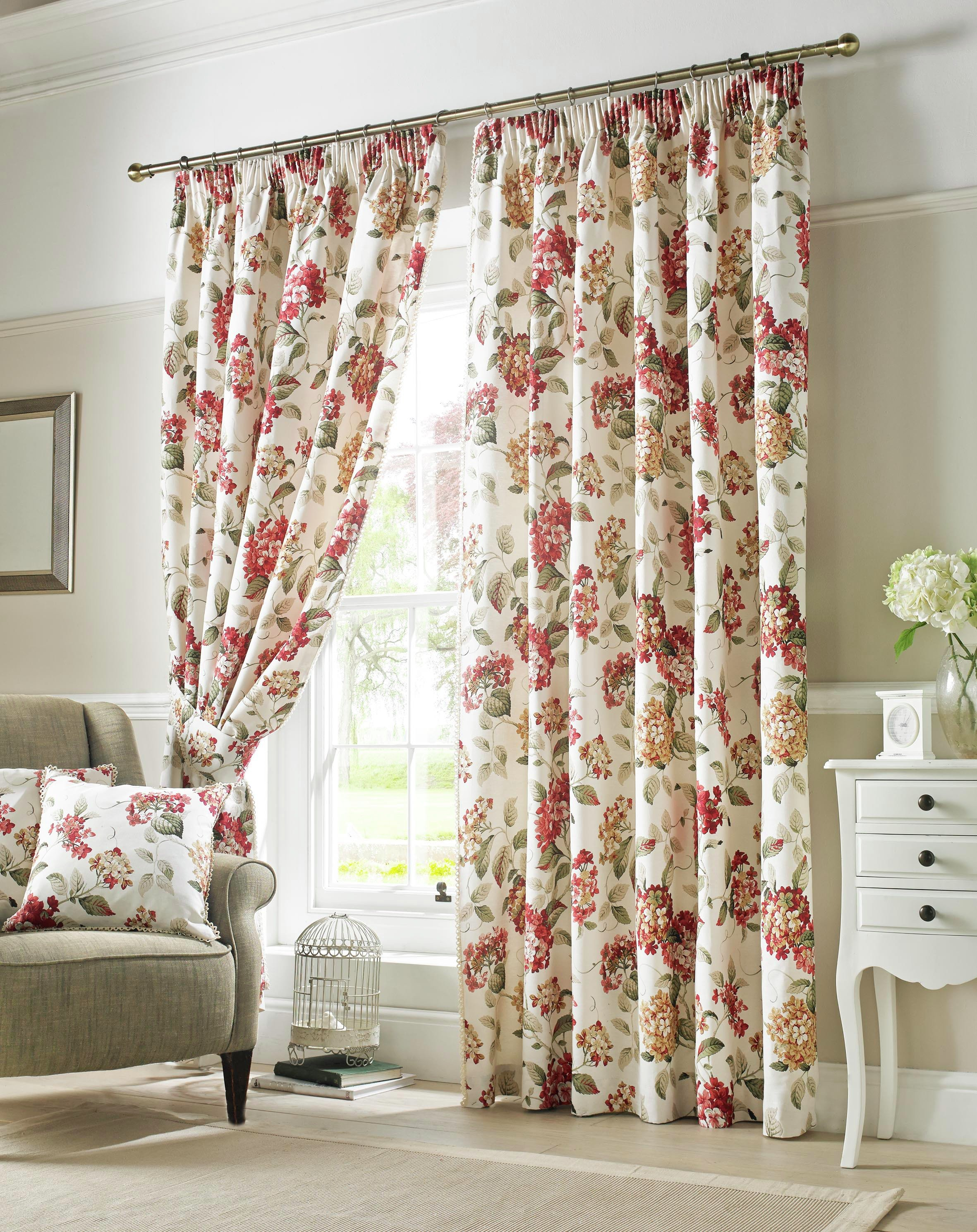 Image of Carnaby Lined Pencil Pleat Curtains - 117x183cm - Chintz
