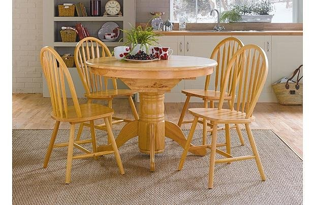 Image of Collection Kentucky Extendable Solid Wood Table & 4 Chairs