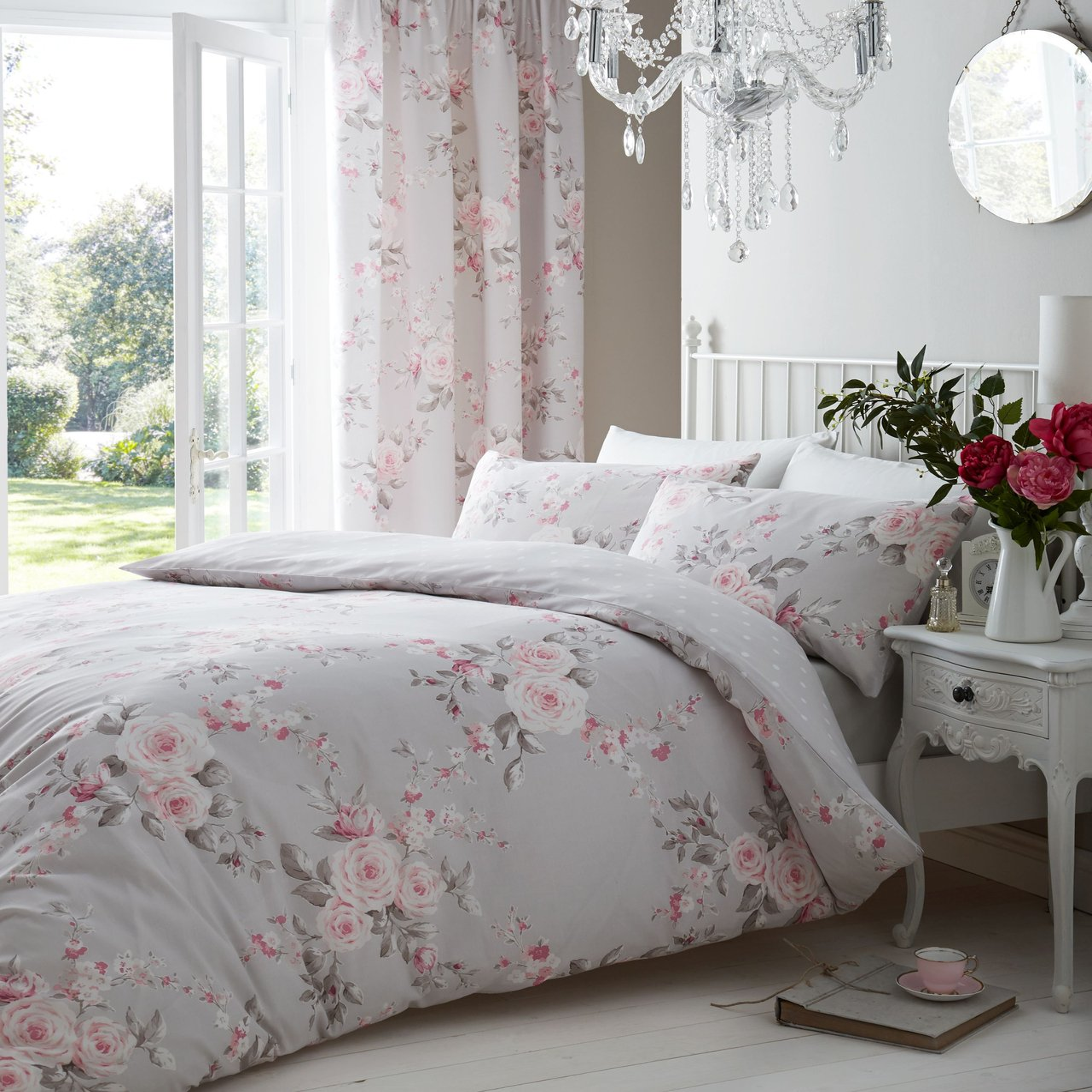 Image of Catherine Lansfield Canterbury Floral Bedding Set - Kingsize - Pink