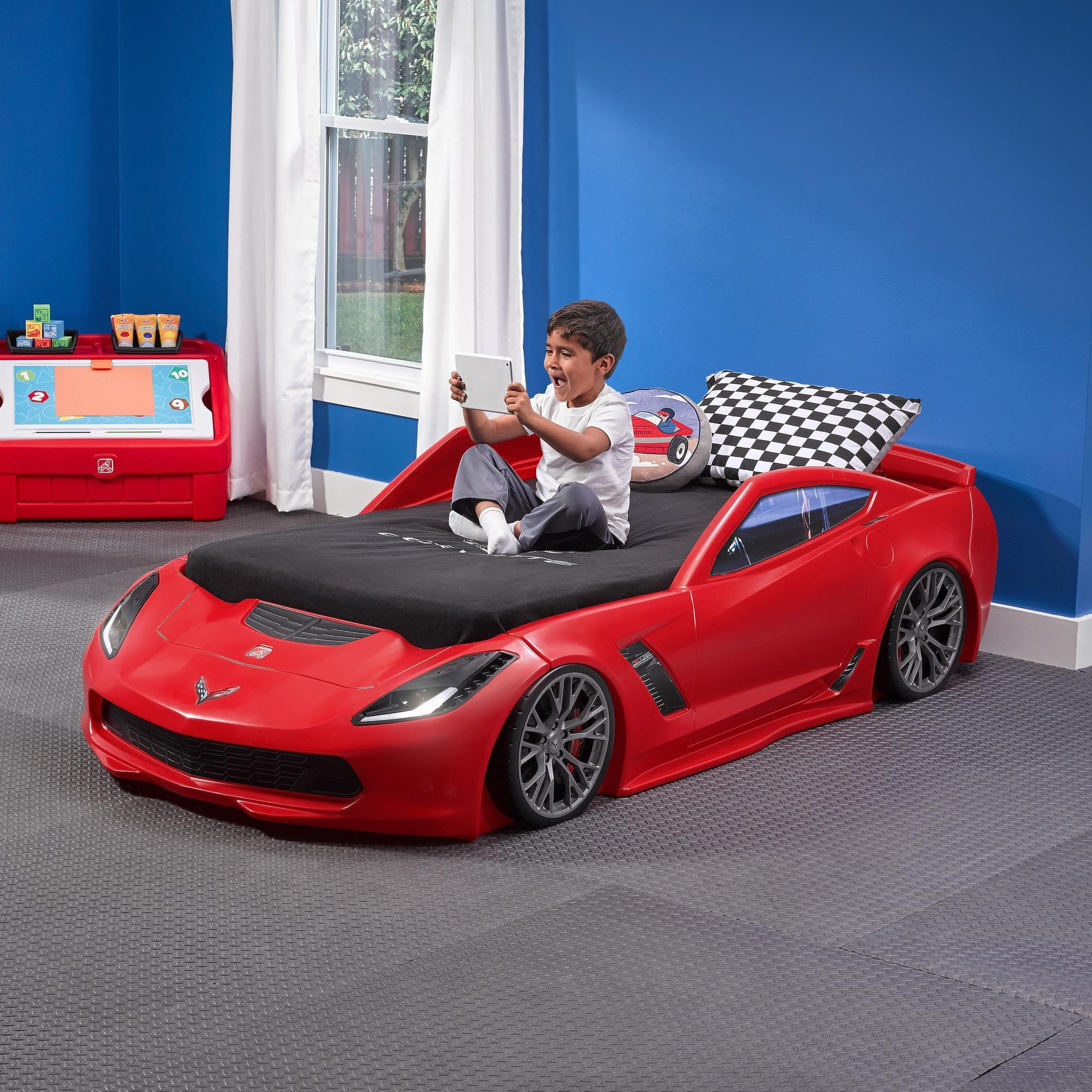 Step2 Corvette Z06 Toddler to Twin Bed with Lights