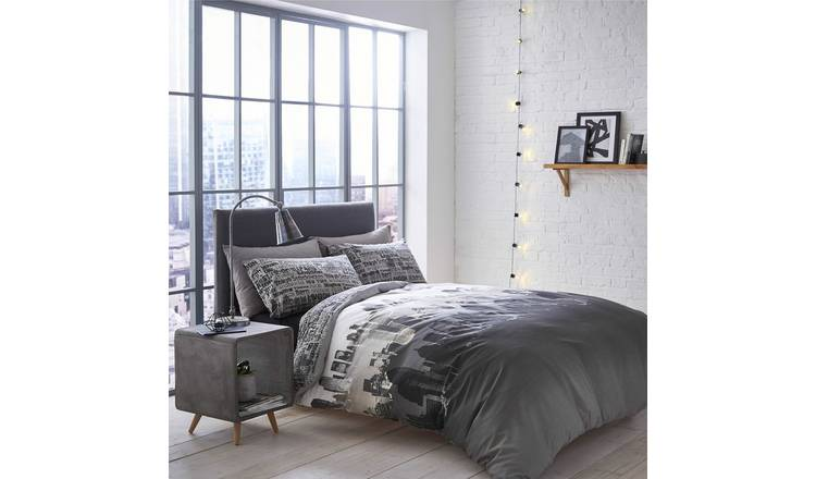 Catherine Lansfield City Scape Bedding Set - Double