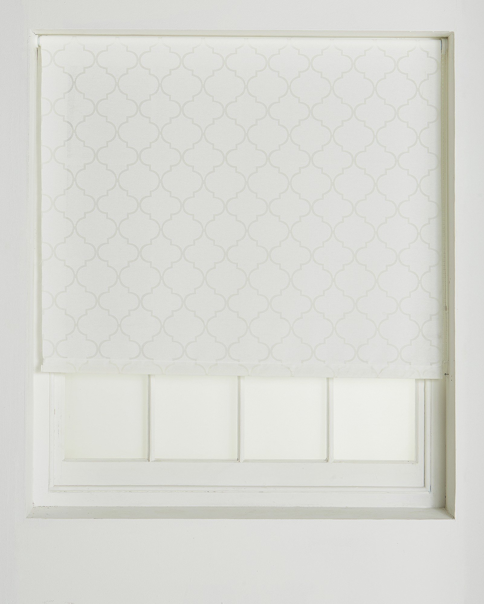 collection-trellis-semi-privacy-roller-blind-4ft-white