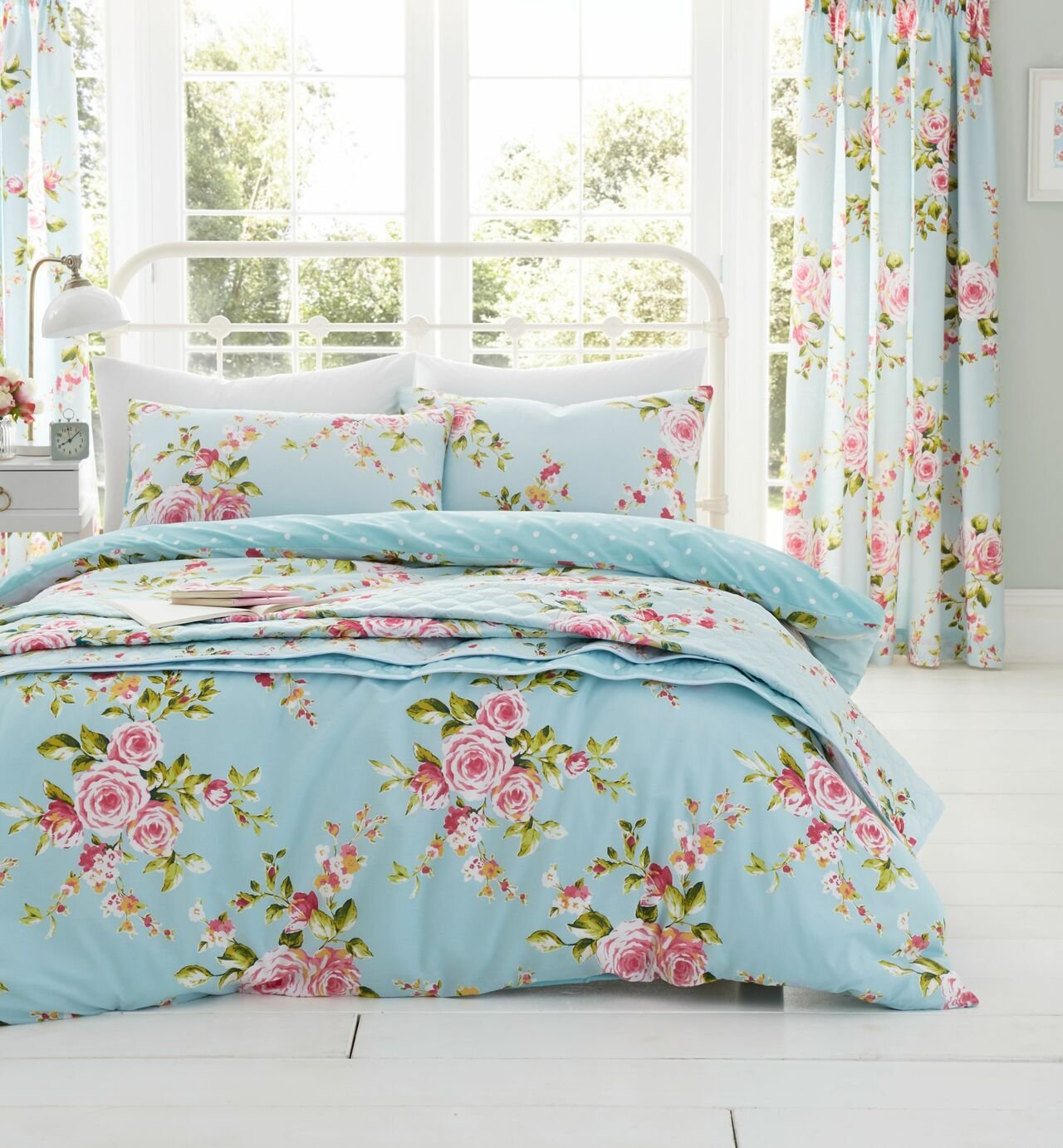 Image of Catherine Lansfield Canterbury Floral Bedding Set - Kingsize - Blue