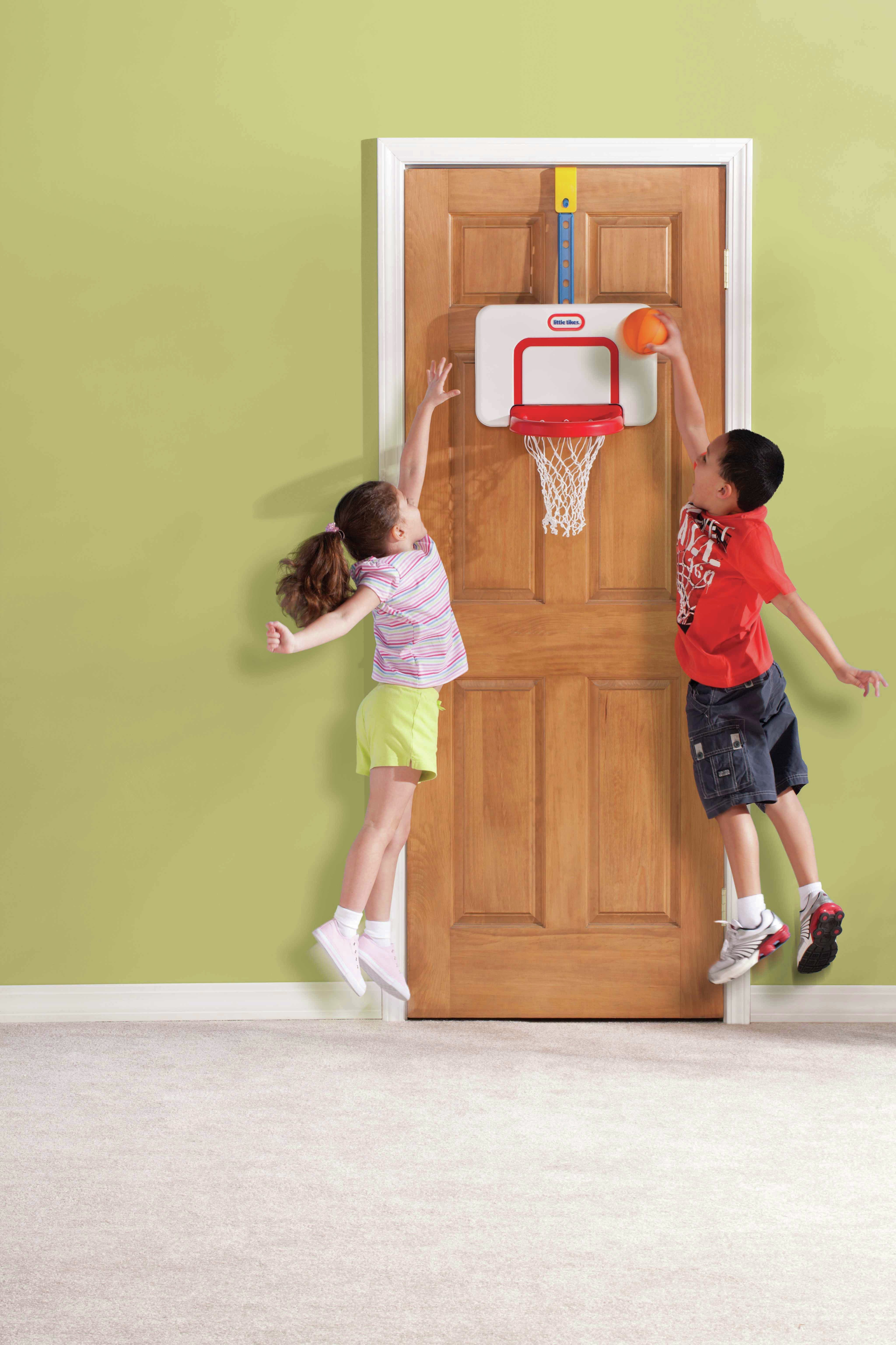Little Tikes   Attach And Play Basketball