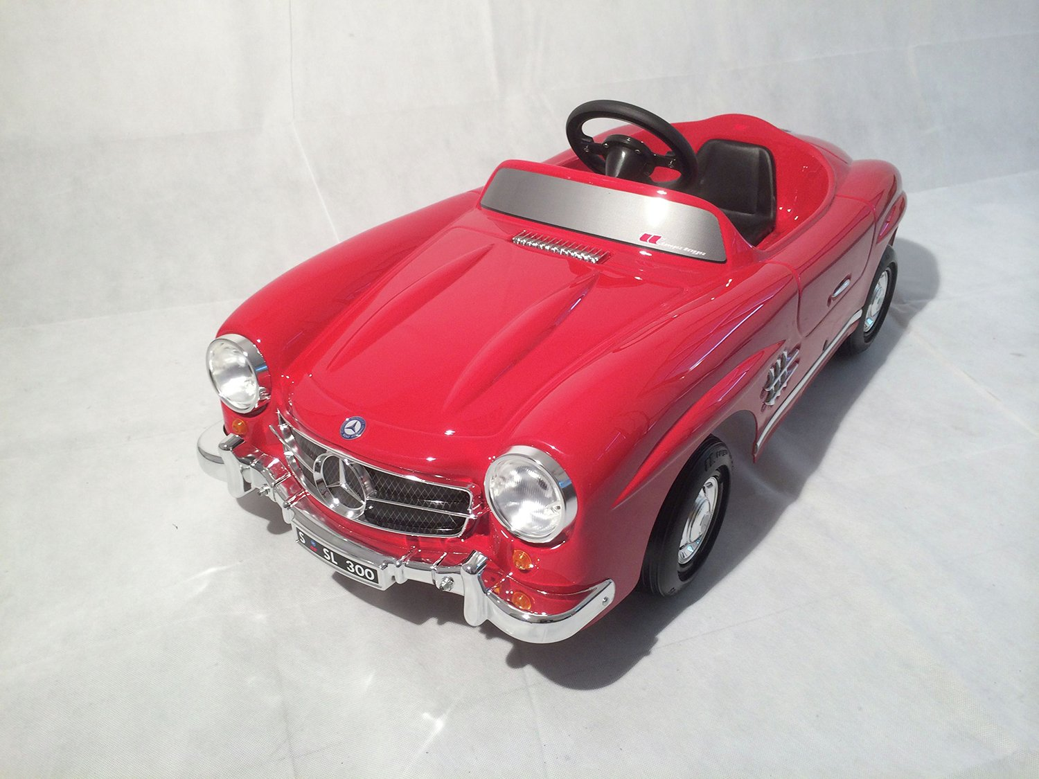 Mercedes toys mercedes 300sl red pedal car review for Mercedes benz pedal car