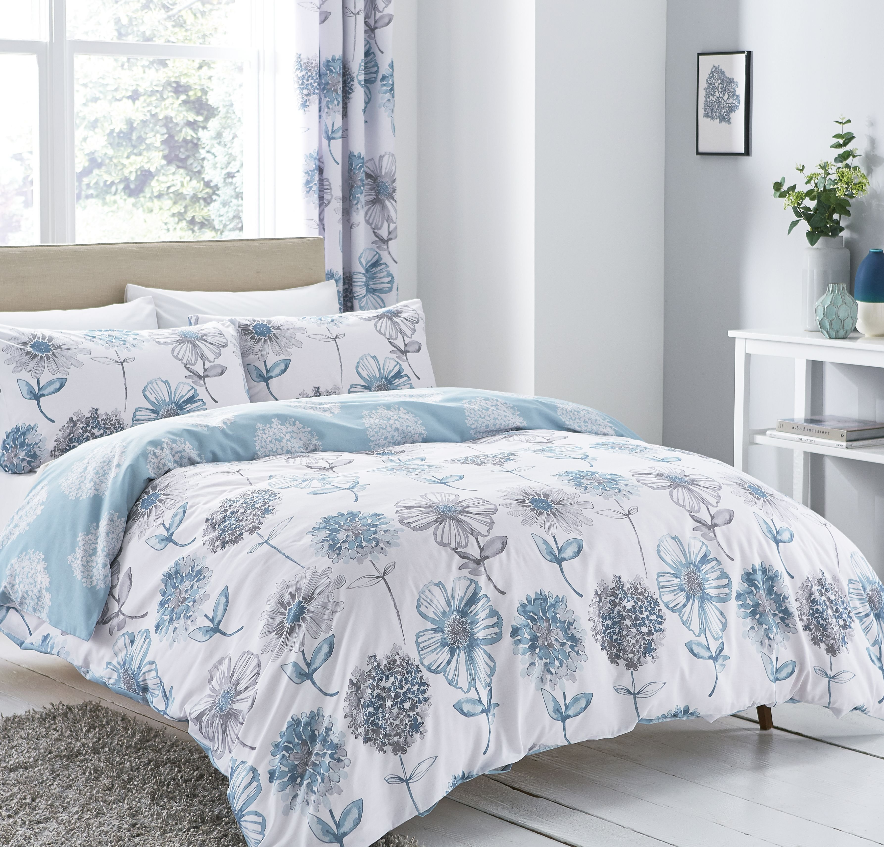 Image of Catherine Lansfield Blue Floral Bedding Set - Double.