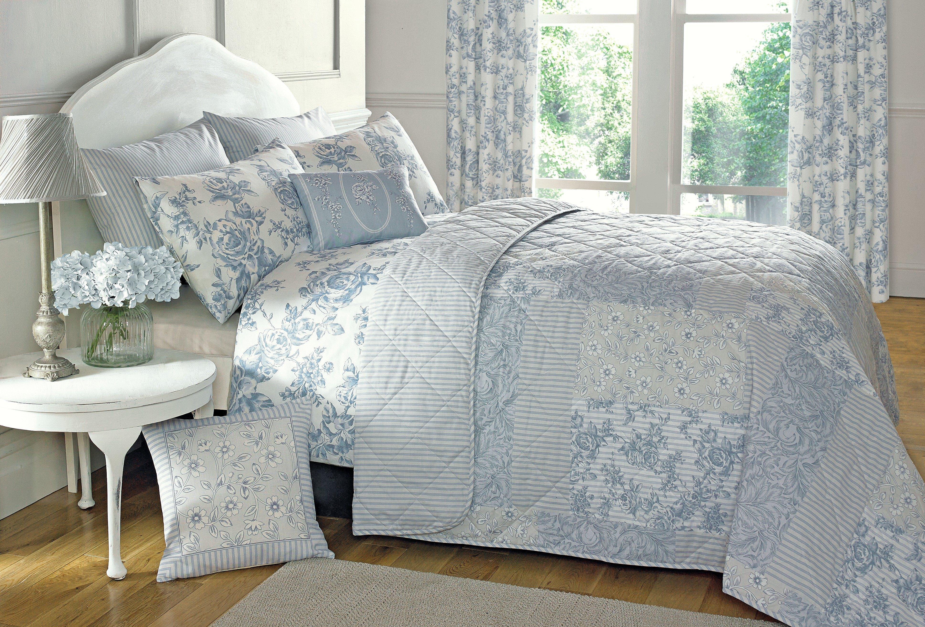 dreams n drapes malton throw  blue.