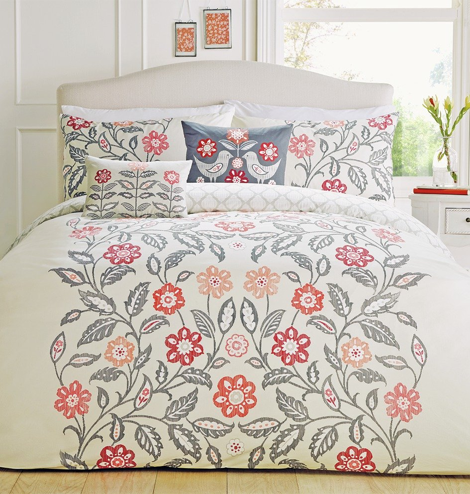 Image of Dreams N Drapes Montague Red Bedding Set - Double.