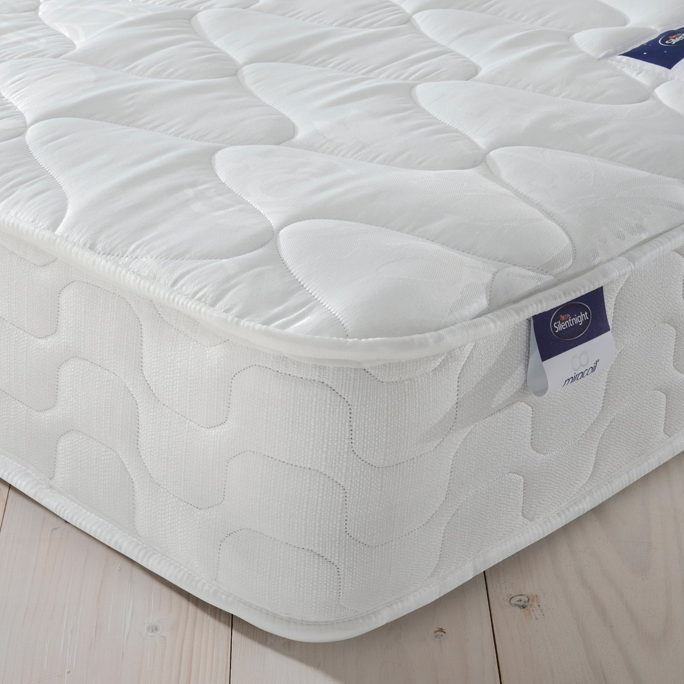 Silentnight Travis Miracoil Microquilt Small Double Mattress