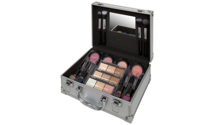 Technic Silver Colour Master Beauty Train Case