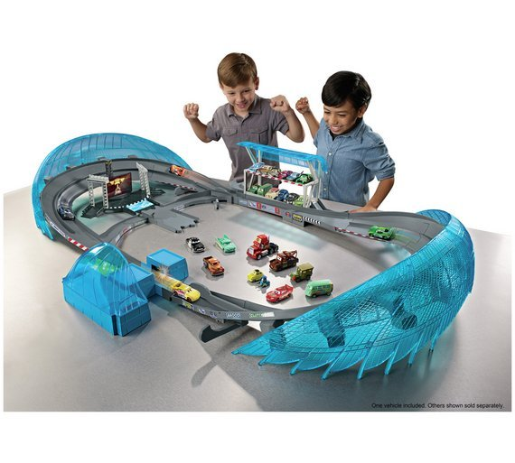 Cars 3 Ultimate Florida Speedway Track Set