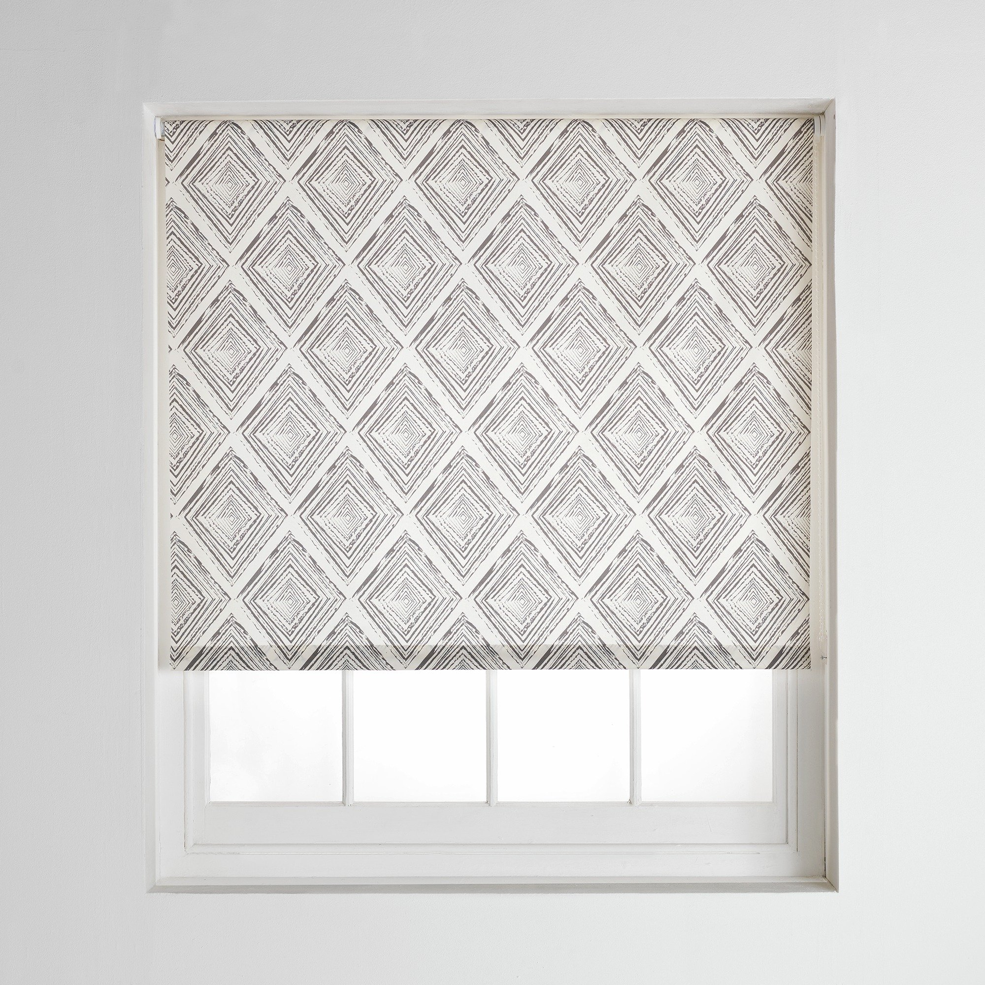 collection-diamonds-daylight-roller-blind-4ft-grey