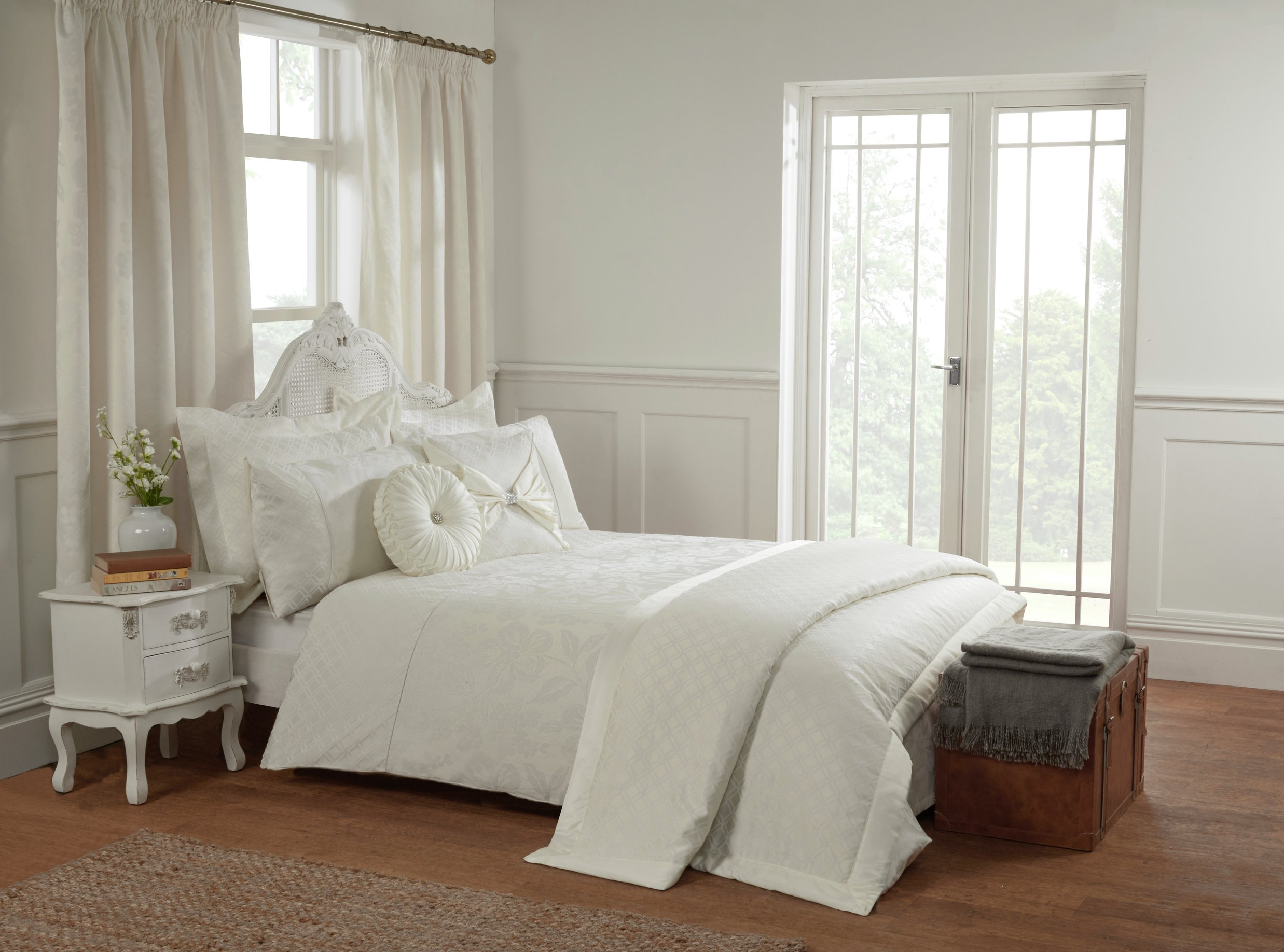 julian charles leona natural bedding set  superking