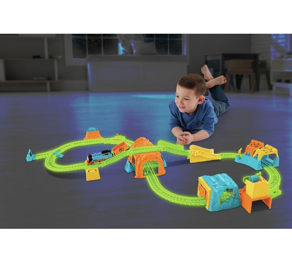 Thomas Friends TrackMaster Glowing Mine Set
